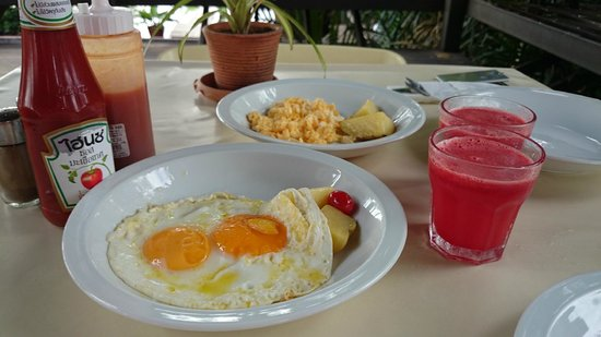 Bangkok Tree House: Breakfast