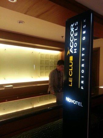 Hotel Novotel Batam: View of the reception