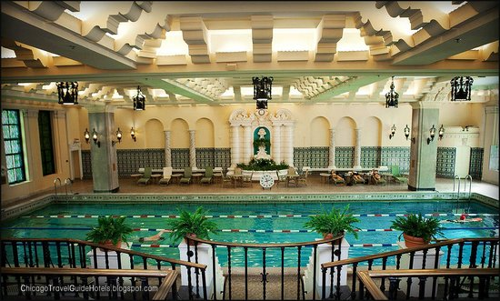 InterContinental Chicago: The pool on the 14th floor
