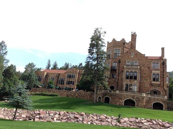 Glen Eyrie Castle & Conference Center: The castle