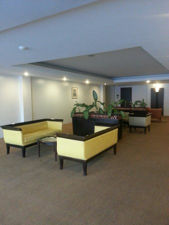 Travelodge Batam: Level 5 life lobby