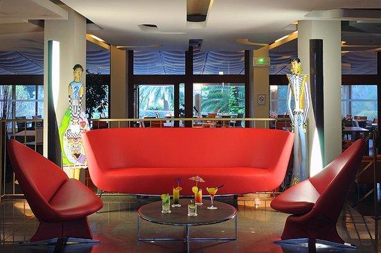 Holiday Inn Cannes: Lobby