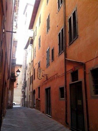Leonardo Hotel : fachada1