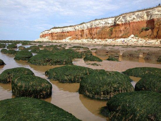 Hunstanton Beach: Cliffs and stones at Hunstanton
