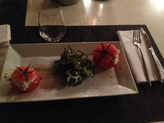 Dolcemare : pomodori ripieni di salsa al brocciu
