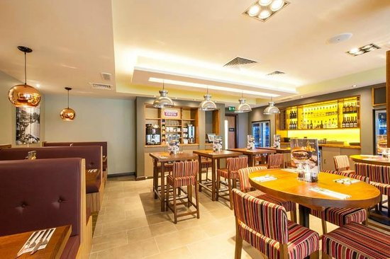 Premier Inn London Hackney Hotel: Restaurant