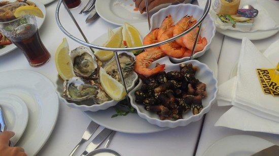 Restaurante O velho e o Mar : Travessa de marisco