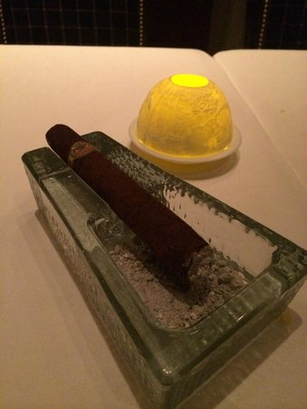 Waldorf Astoria Orlando: Unbelievable and totally edible chocolate cigar for dessert!!