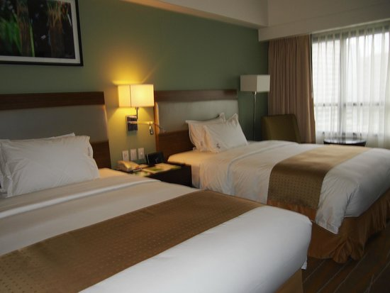 Holiday Inn & Suites Makati: Very comfortable beds