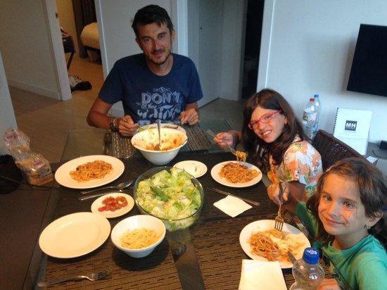 MH Apartments Opera Rambla: meal