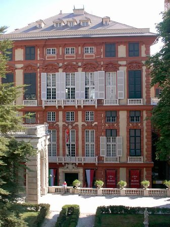 Via Garibaldi: Palazzo ROSSO