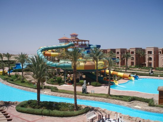 Coral Sea Aqua Club Resort: view from bedroom