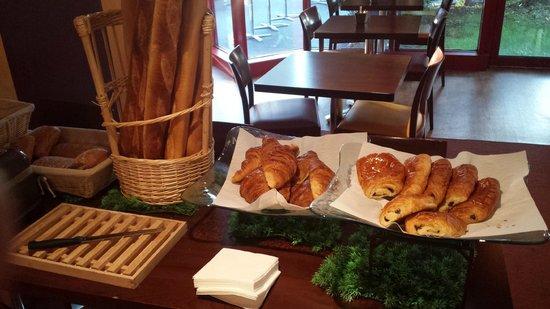 Ibis Nanterre La Défense : Breakfast