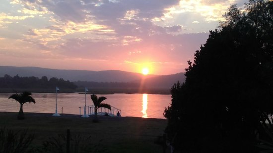 Kowie River Guest House : Sunset drinks