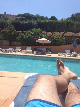 Motel Les Pins : Piscine de l'hotel