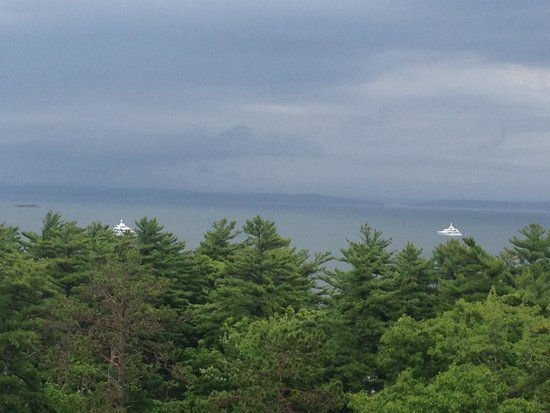 Bluenose Inn - A Bar Harbor Hotel: View from my balcony
