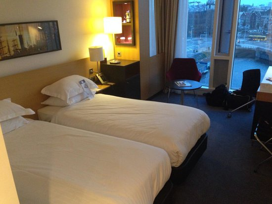 DoubleTree by Hilton Hotel Amsterdam Centraal Station: Room 735