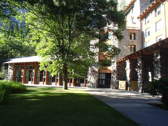 The Majestic Yosemite Hotel: A good place for star gazing