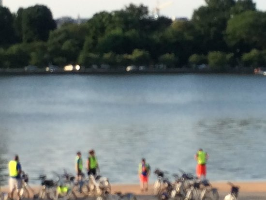 Bike and Roll DC: Great backdrop of the River at sunset