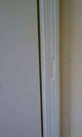 Howard Johnson Inn Jackson: where the door lock was supposed to be