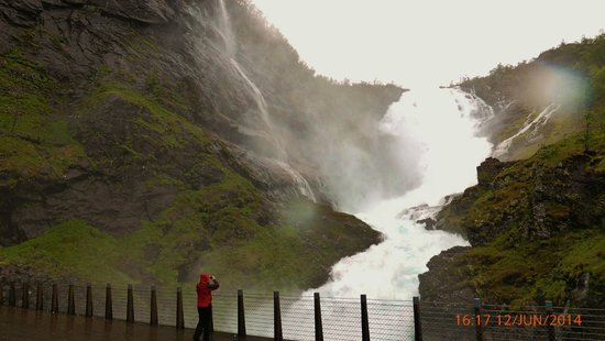 The Flam Railway : Kjosfossen
