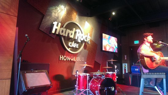Hard Rock Cafe : Live entertainment included
