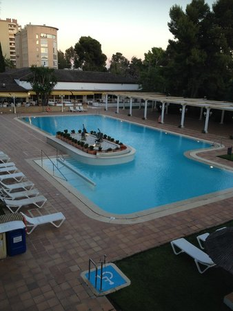 Hotel Jerez & Spa: Lovely pool - views from the Suite Balcony