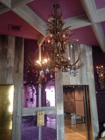 Castle Hotel, Autograph Collection: Antler chandelier, but definitely NOT a rustic lodge