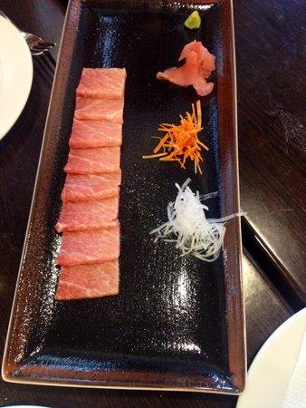 El Campero: 1/2 de sashimi de ventresca