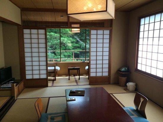 Iwaso : camera al 4 piano ad angolo