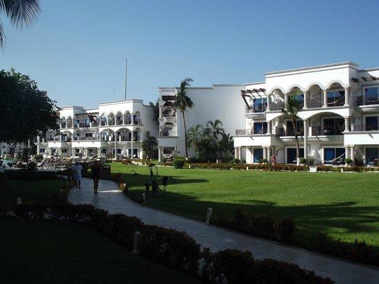 The Royal Playa del Carmen: Vista Interior Hotel.