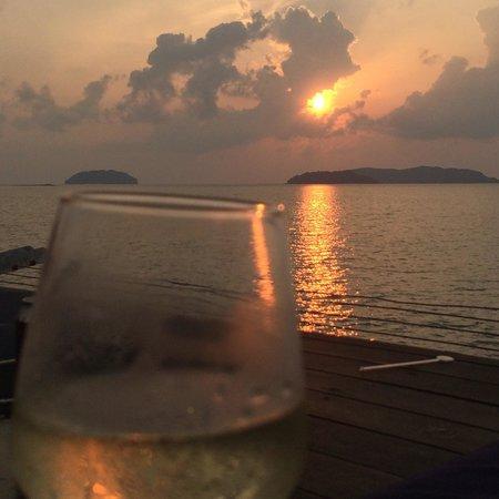 Shangri-La's Tanjung Aru Resort & Spa : Sunset bar