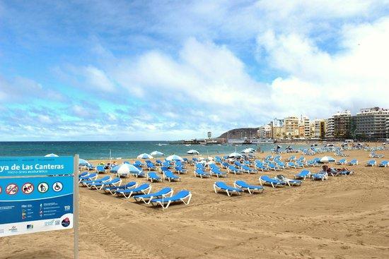 Playa de Las Canteras: the beach
