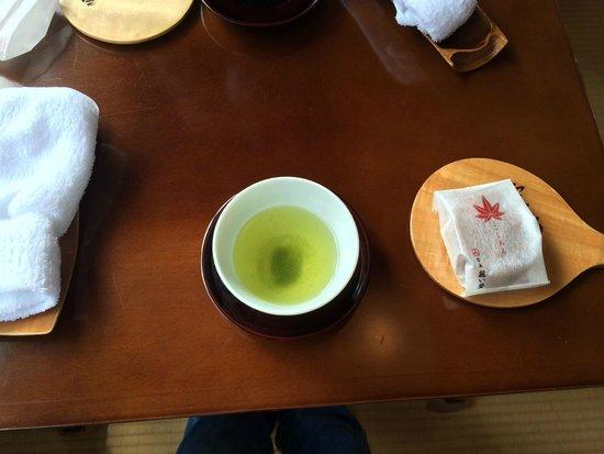 Iwaso : te verde e dolcetto di benvenuto