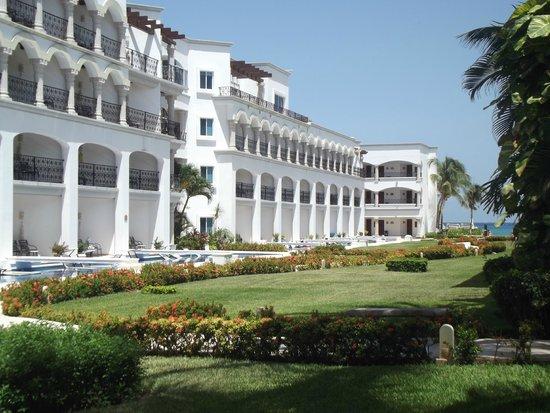 The Royal Playa del Carmen: Vista parcial interior.