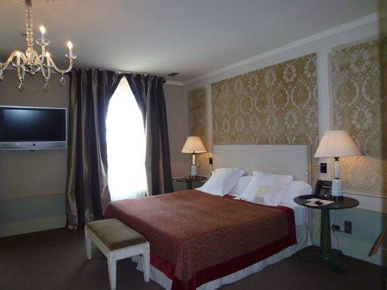 El Palace Hotel: ダブルベッドのお部屋でした。