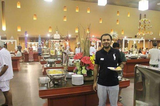 Siam Niramit Phuket: the buffet