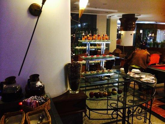 Novotel Yogyakarta: Lobby bar