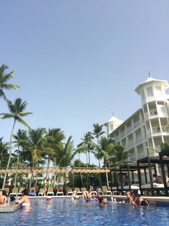 Hotel Riu Palace Macao: 2nd pool & hotel