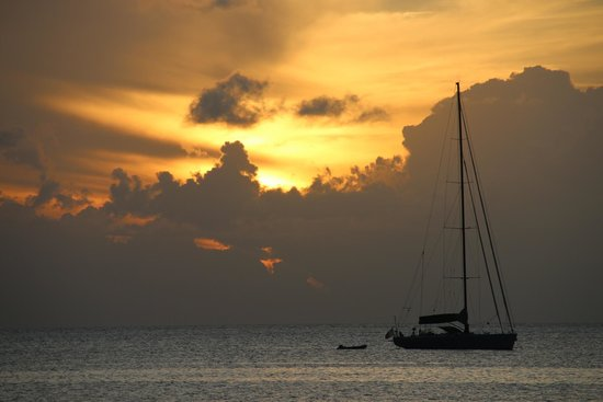 St. Lucian by Rex Resorts: Sunset from hotel room