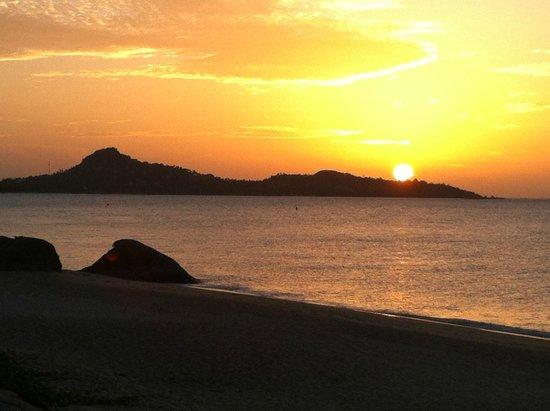 Lamai Chalet: Sonnenaufgang von der Terrasse