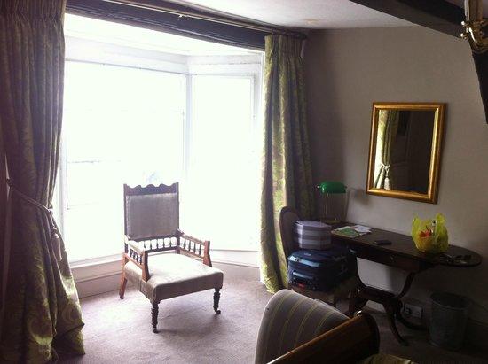 White Hart Hotel: bright large window