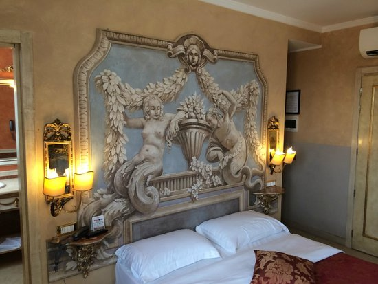 Hotel Romanico Palace: Room 602