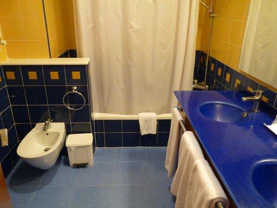 Hotel RH Victoria: bagno camera standard