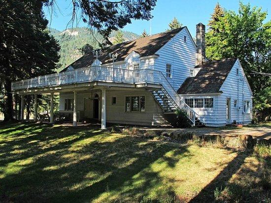 The Colonial Inn & RV Park: The Colonial Inn