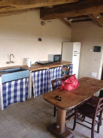 Casale di Poggioferro: ...con angolo cottura