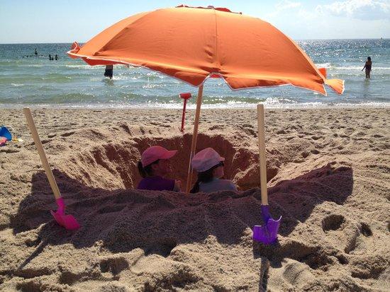 Sea Crest Beach Hotel: Beach Fun