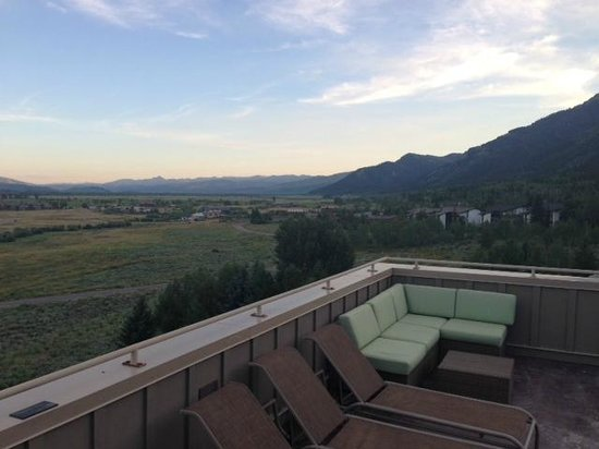 Teton Mountain Lodge & Spa- A Noble House Resort: Rooftop hottub