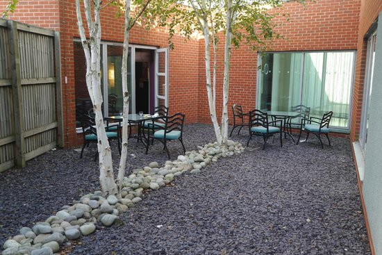 Crowne Plaza Hotel Marlow: Outside area of Club Lounge