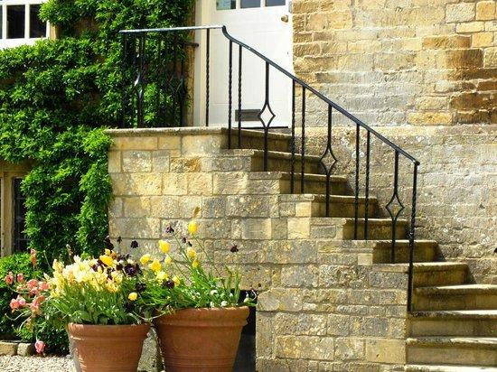 Bourton House Garden: Staircase